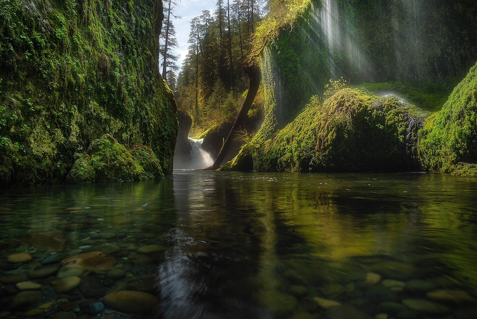 Chasing light rays at Punchbowl Falls on our Oregon Photography Workshop